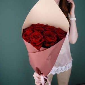 11 российских роз (Рэд Наоми, красная)