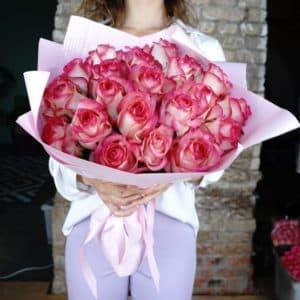 25 российских роз (Джумилия розово-белая)